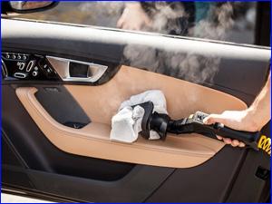 чистка дверей автомобиля