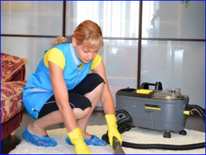 Генеральная уборка подразумевает химчистку ковров и паласов в квартире