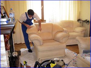 Химчистка светлой мебели на дому