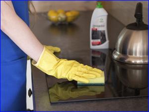 Чистка поверхности плиты и духовки