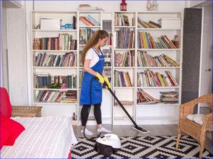 Регулярная уборка квартиры моющим пылесосом